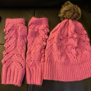 Matching hat and gloves  set
